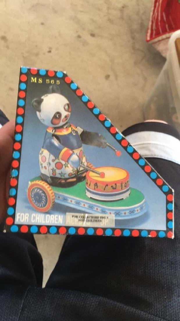 Clockwork drumming animal 10 collector panda bear
