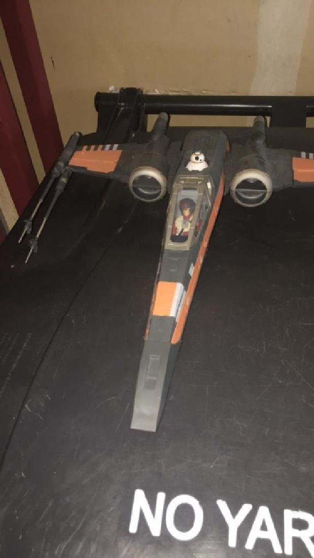 Star Wars 2015 jet with two figures - 2