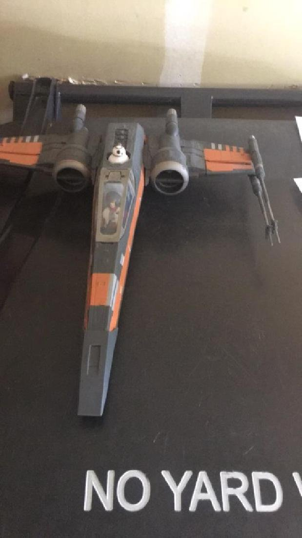 Star Wars 2015 jet with two figures - 3