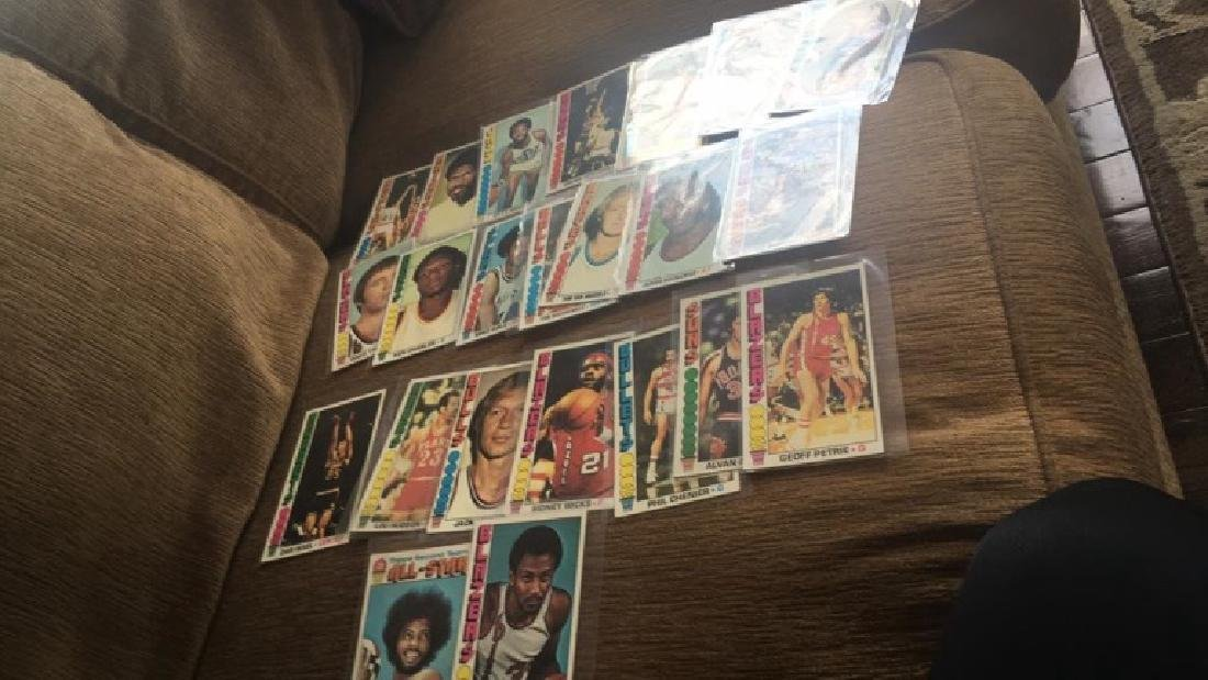 Lot of 23 1976-77 Topps basketball cards with