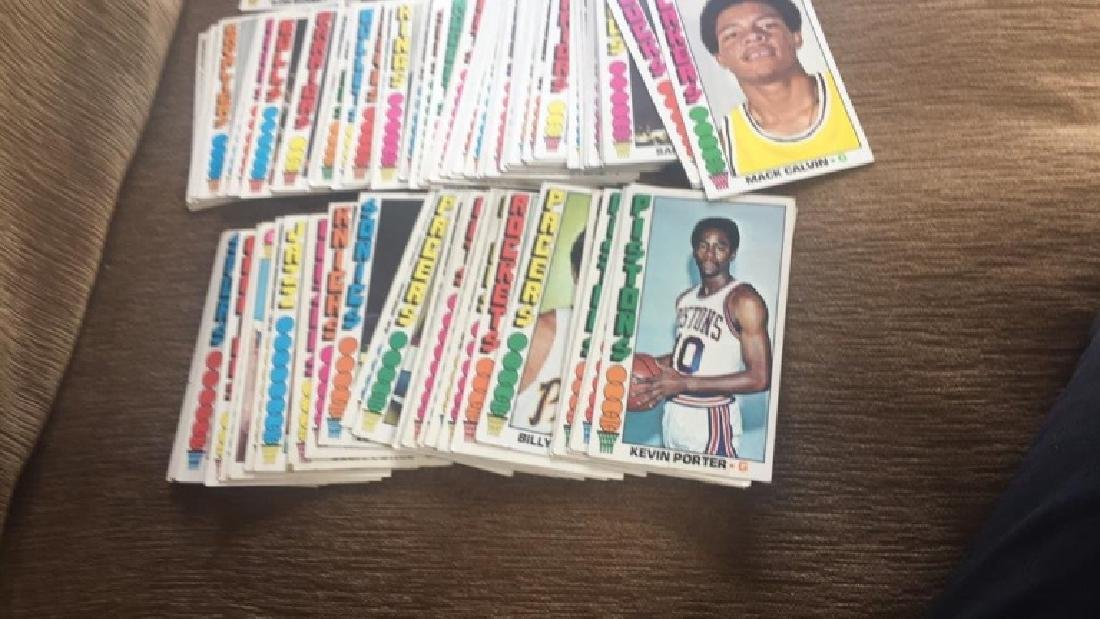 Lot of 100 1976-77 Topps basketball cards nice - 2