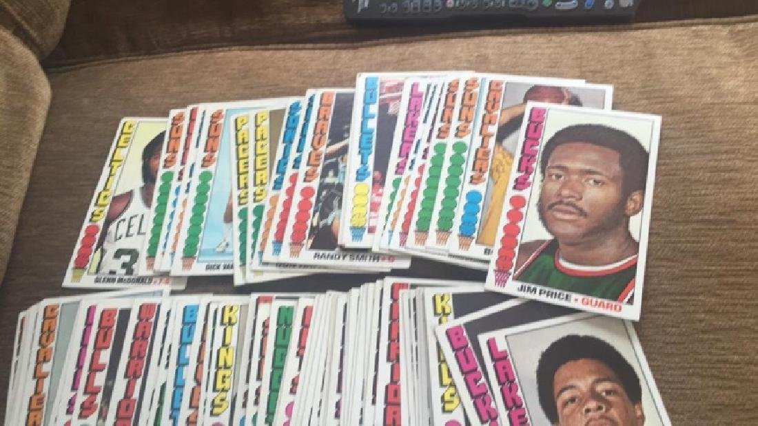 Lot of 100 1976-77 Topps basketball cards nice - 4