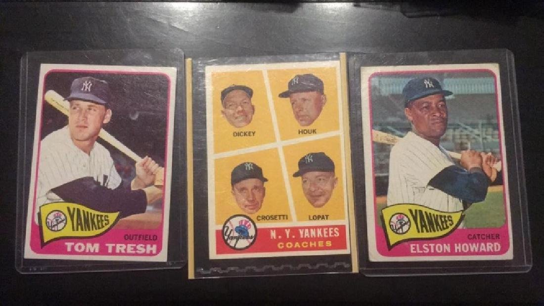 1965 Topps Yankee lot: Tresh Howard coaches