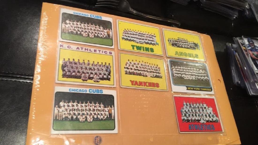 1960s 70s team card lot with two New York Yankees