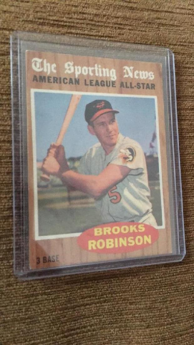 Brooks Robinson 1962 Topps sporting news in nice