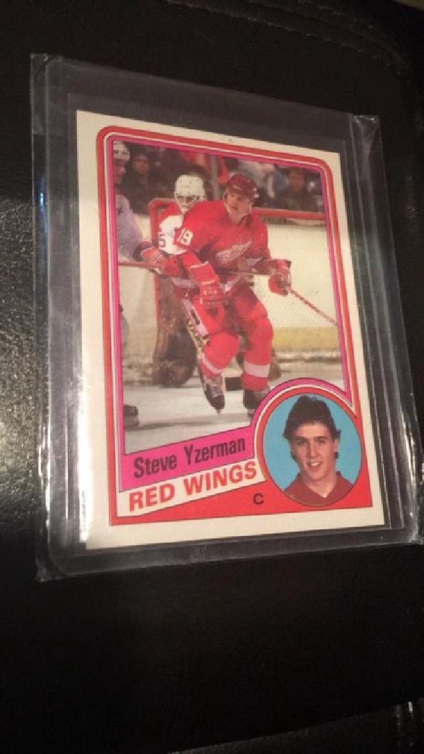 Steve Yzerman 1984 Topps RC