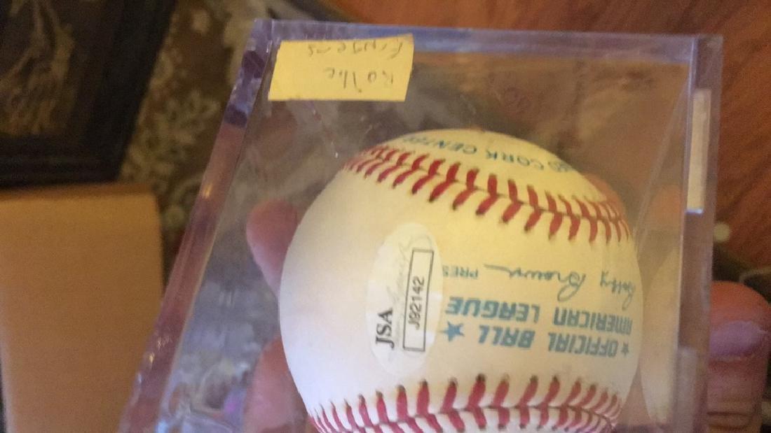 Rollie Fingers autograph baseball - 2