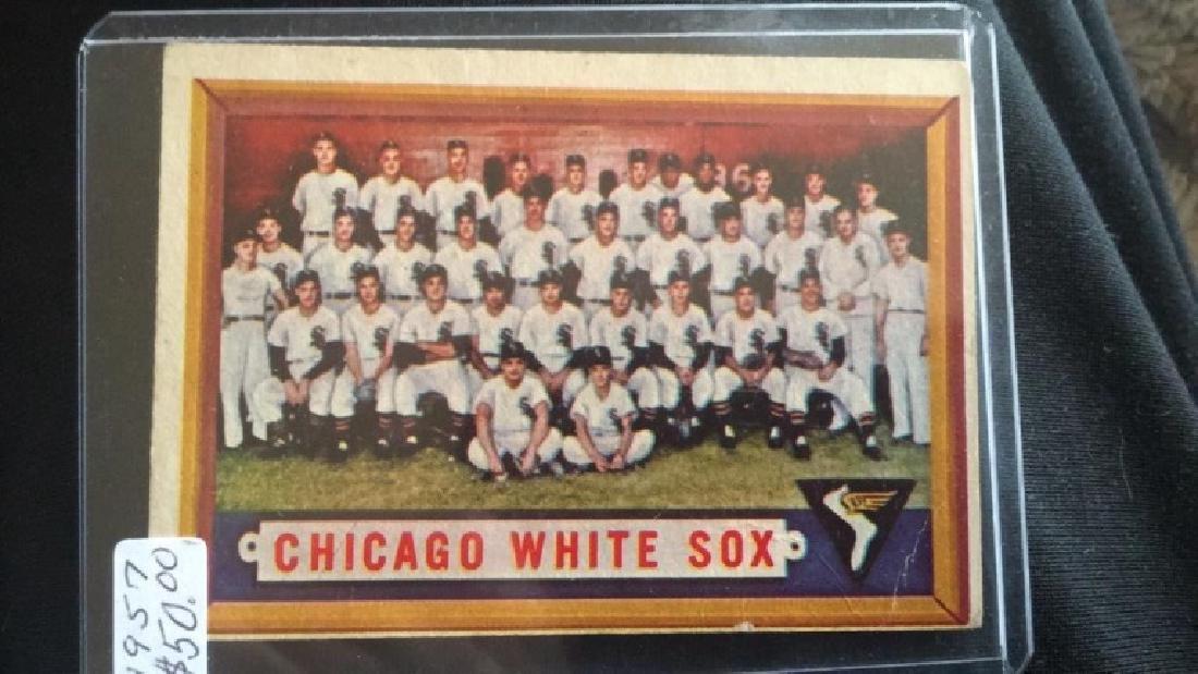1957 Topps Chicago White Sox Team Card - 2
