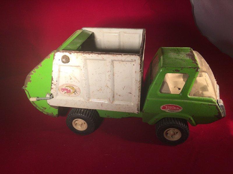Vintage metal Tonka green garbage truck