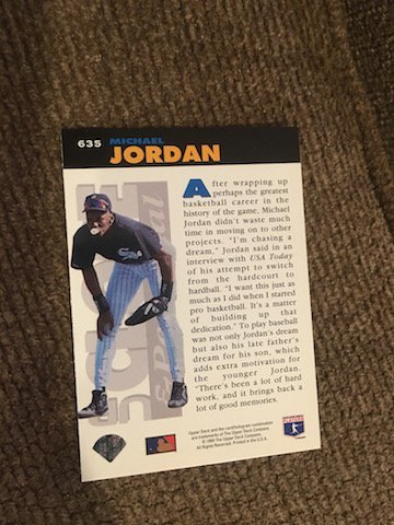 1994 UD COLLECTORS CHOICE UP CLOSE & PERSONAL MICHAEL - 2