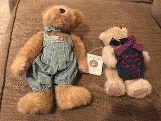Lot of 2 Boyds Bear teddy bears: home is Where Mom is