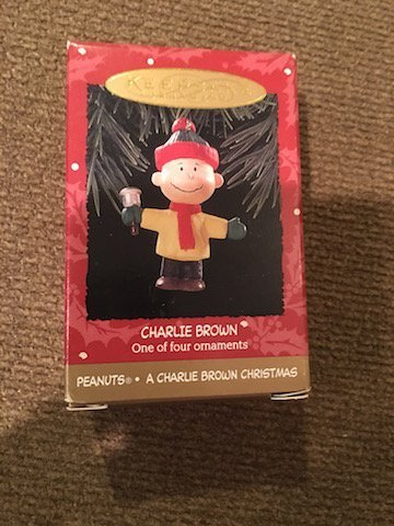 Peanuts A Charlie Brown Christmas One of Four Ornaments