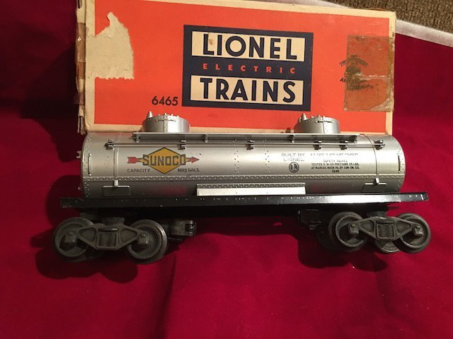 Postwar Lionel 6465 Tank Car Nice Condition With