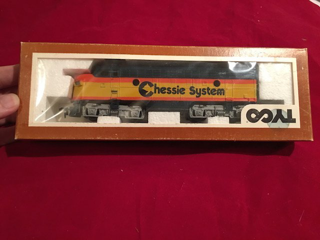 TYCO HO Scale Model Train Locomotive Engine Chessie