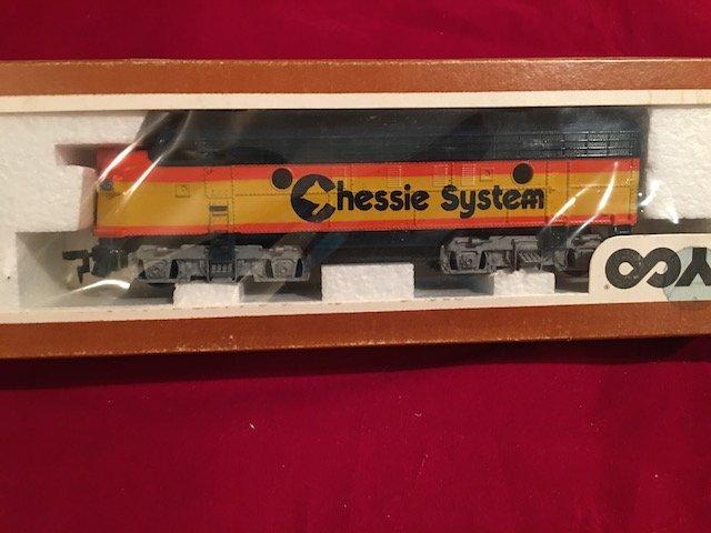 TYCO HO Scale Model Train Locomotive Engine Chessie - 2