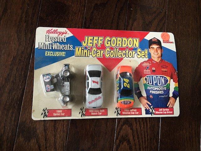 JEFF GORDON KELLOGGS FROSTED MINI WHEATS CAR COLLECTOR