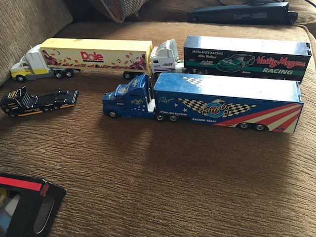 lot of 4 18 Wheel Truck Diecast trucks