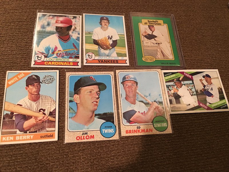 Vintage and Insert Baseball Card Lot: Willie Mays - 2