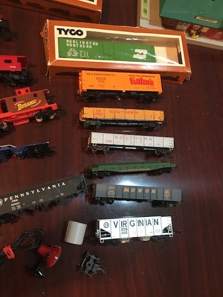 Large HO Scale Train Lot with Train Houses and - 3