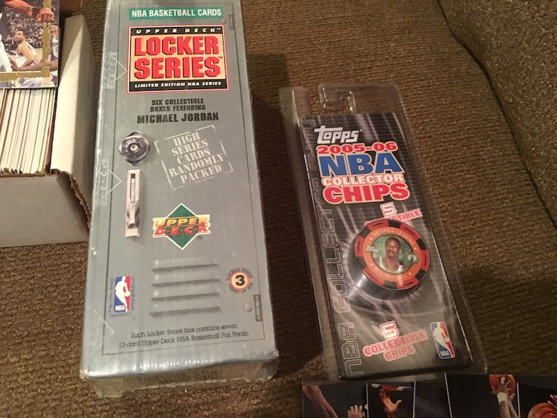 Basketball Card Lot: 1993 Skybox EX Set with Inserts - 5