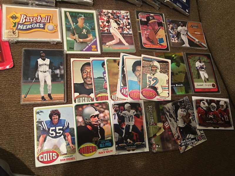 Large lot of Mixed Baseball Cards: McGwire RC Bonds and - 2