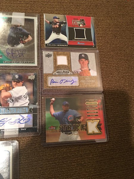 Large Lot of Baseball card Autographs and Jersey cards: - 3
