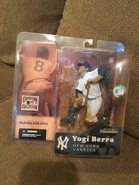 MLB - McFARLANE COOPERSTOWN COLLECTION - YOGI BERRA