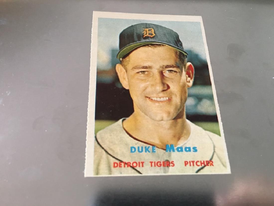 1957 Topps Duke Moss