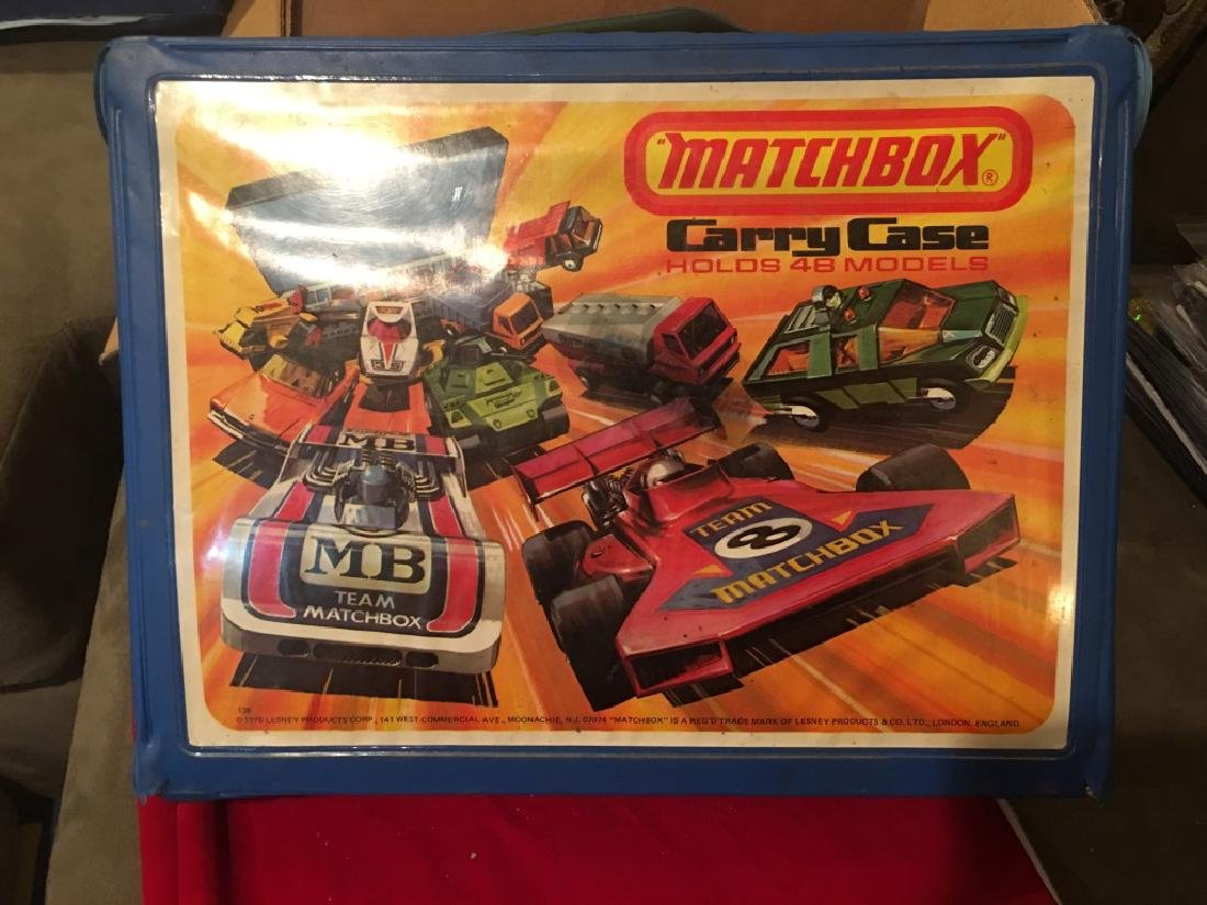 Matchbox Lesney Collector Carry Case 1976w 12 cars
