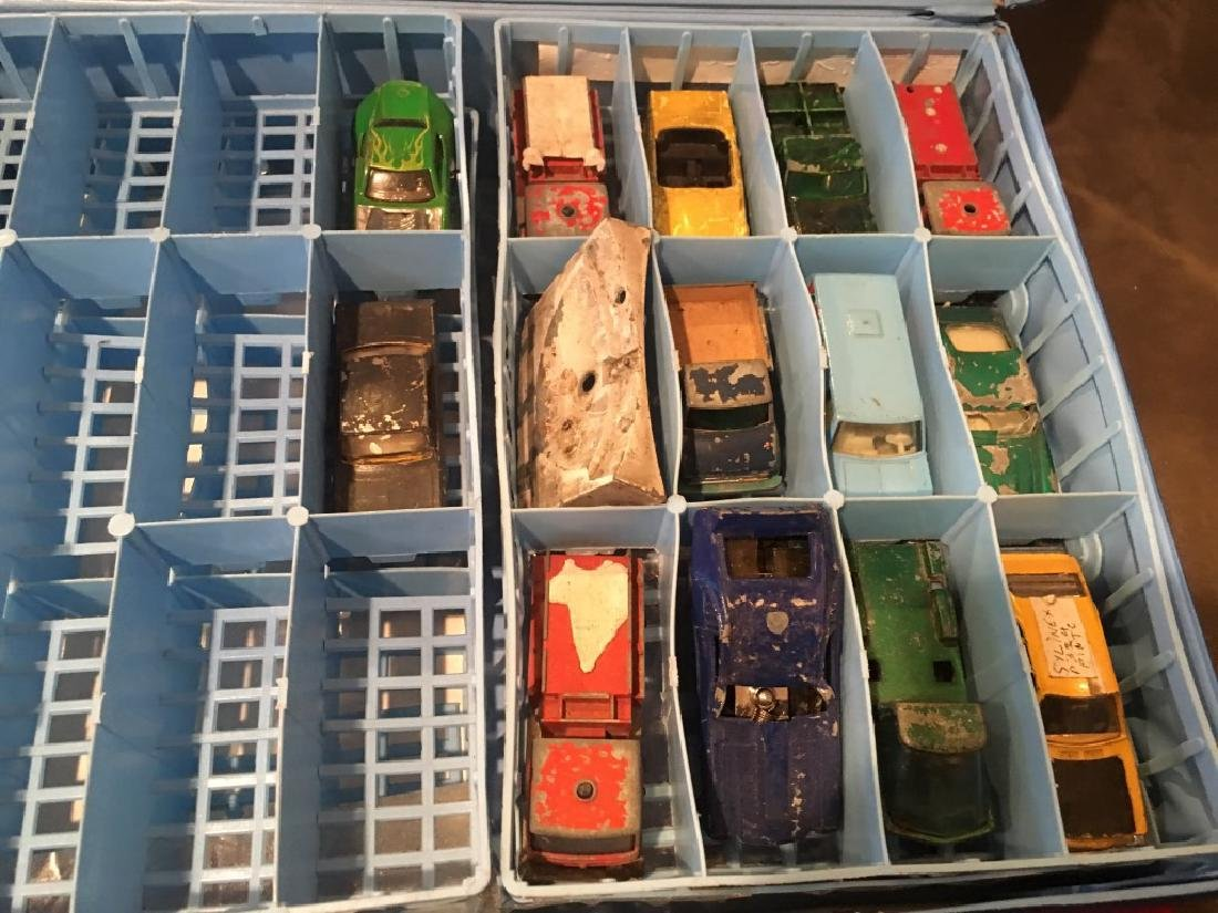 Matchbox Lesney Collector Carry Case 1976w 12 cars - 3