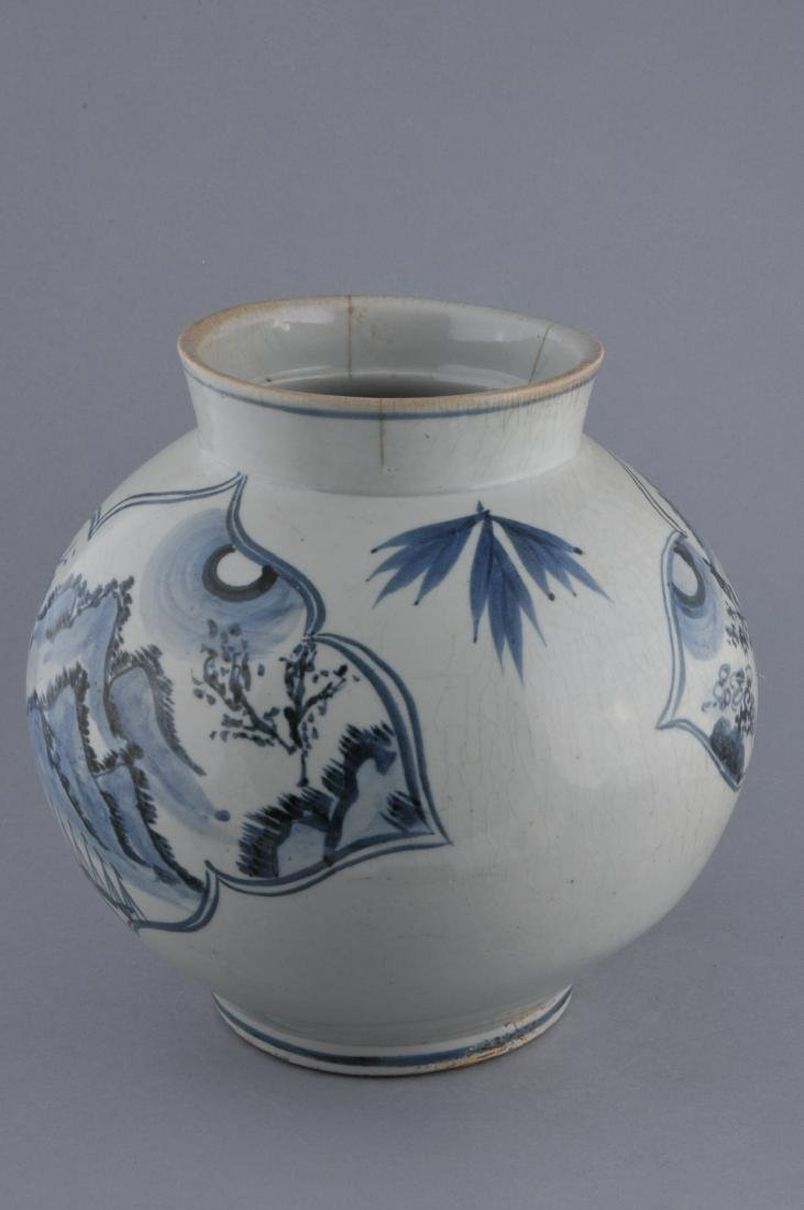 Porcelain jar. Korea. 18th century. Underglaze blue - 2