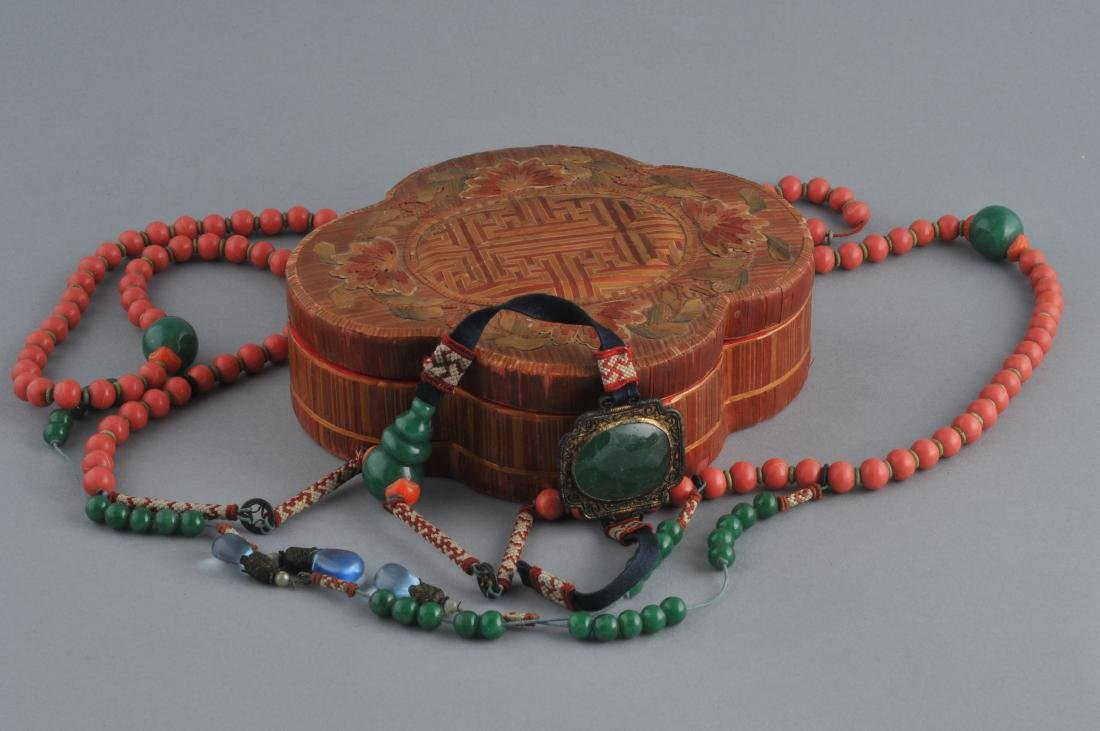 Court necklace. China. Early 20th century. Coral and