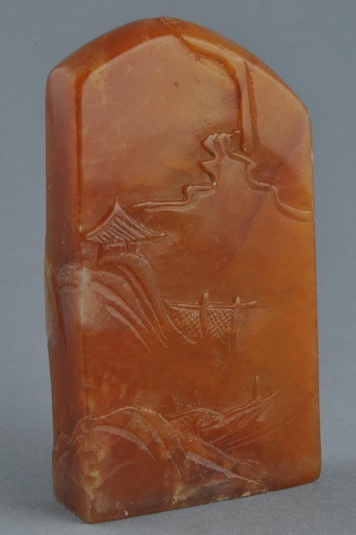 Soapstone seal. Honey coloured stone surface carved - 3