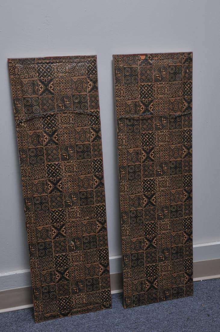 Pair of embroidered silk panels. China. 19th century. - 9