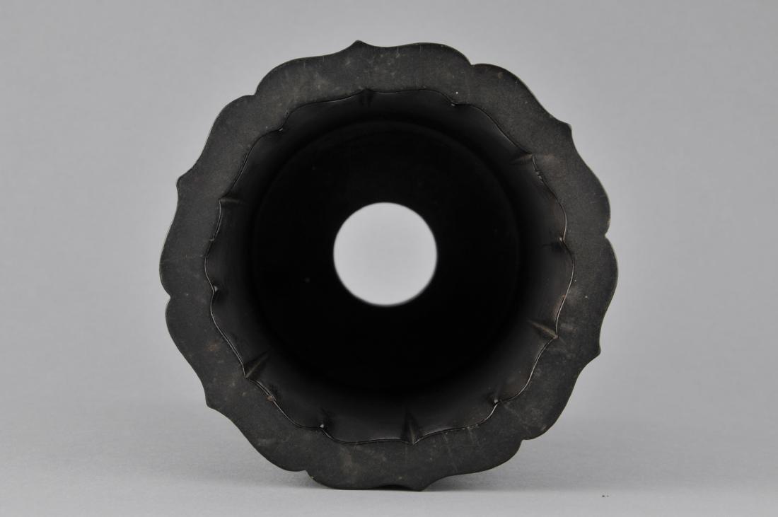 Tzu Tan brush pot. China. 18th/19th century. Fluted - 4