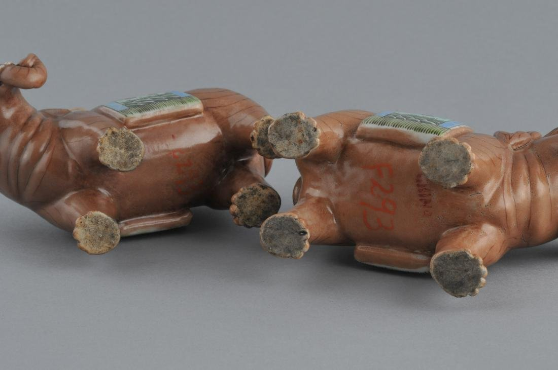 Pair of Chinese Export elephants. Early 20th century. - 7