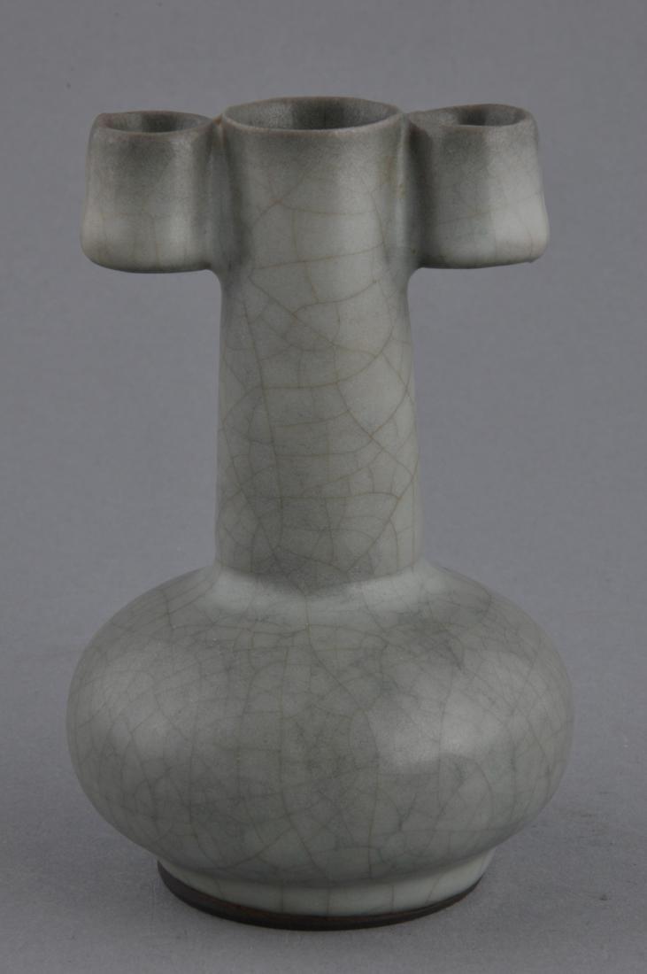 Porcelain vase. China. 20th century. Arrow vase form. - 4