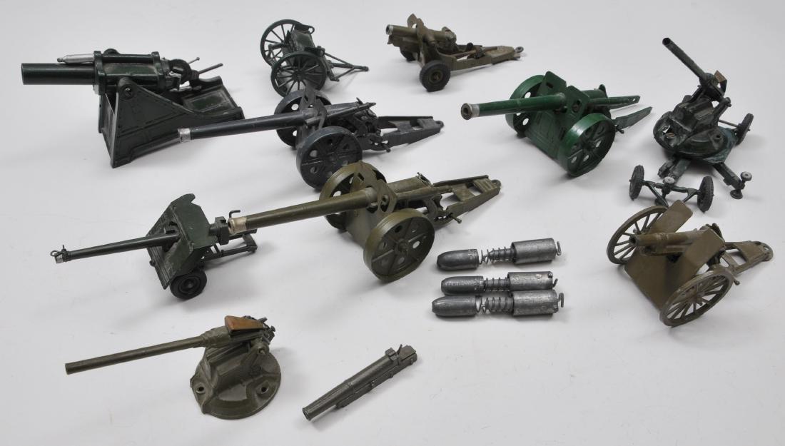 Britain's Field Guns. 11 pieces. Various models.