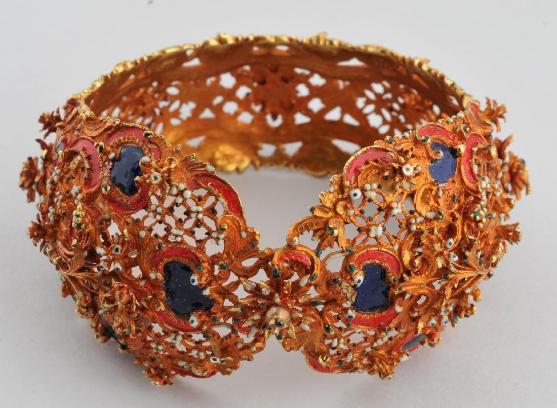 Renaissance period (17th C.) Sleeve bracelet. 20k gold,