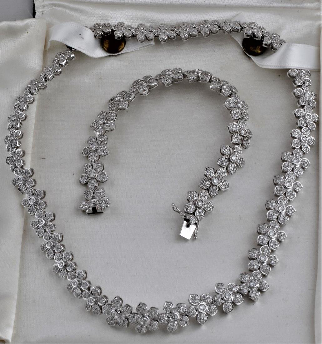 18 kt white gold and diamond mounted necklace and