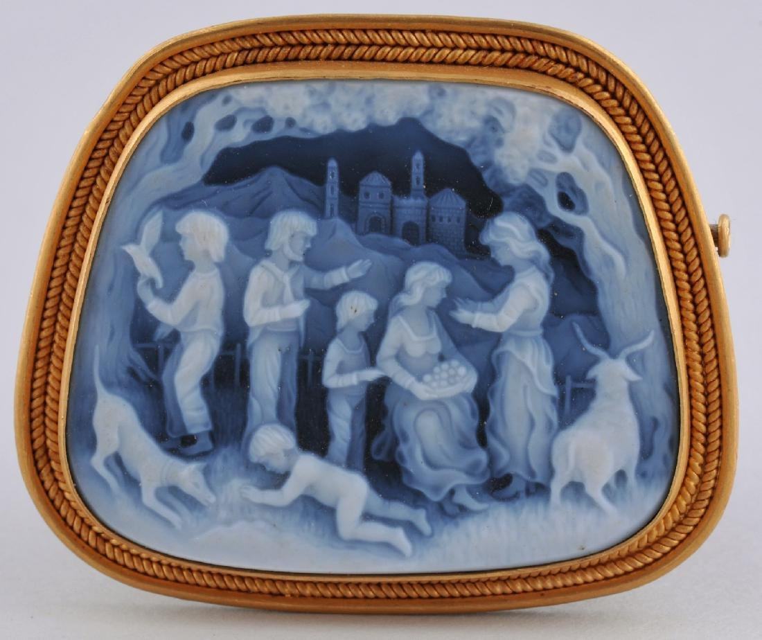 22 karat gold carved Agate Cameo pin with a Renaissance