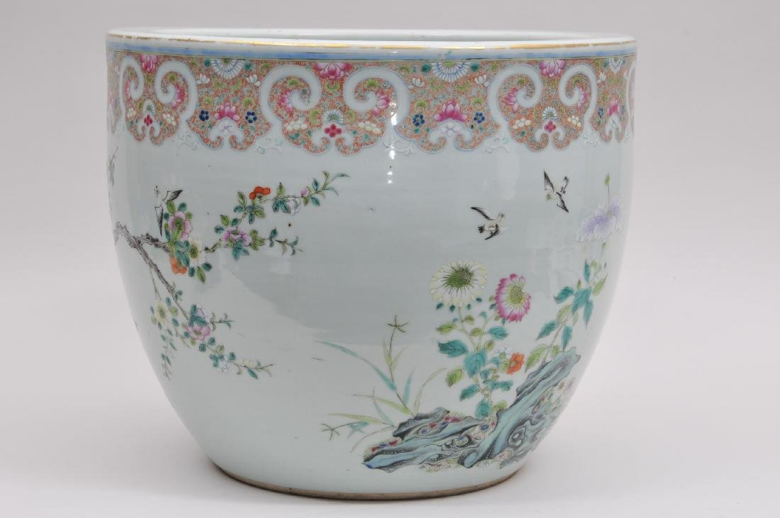 Porcelain fish bowl. China. 19th century. Famille Rose - 4