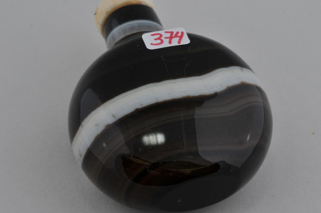 """Banded Agate Snuff bottle. China. 2-3/4"""". - 4"""