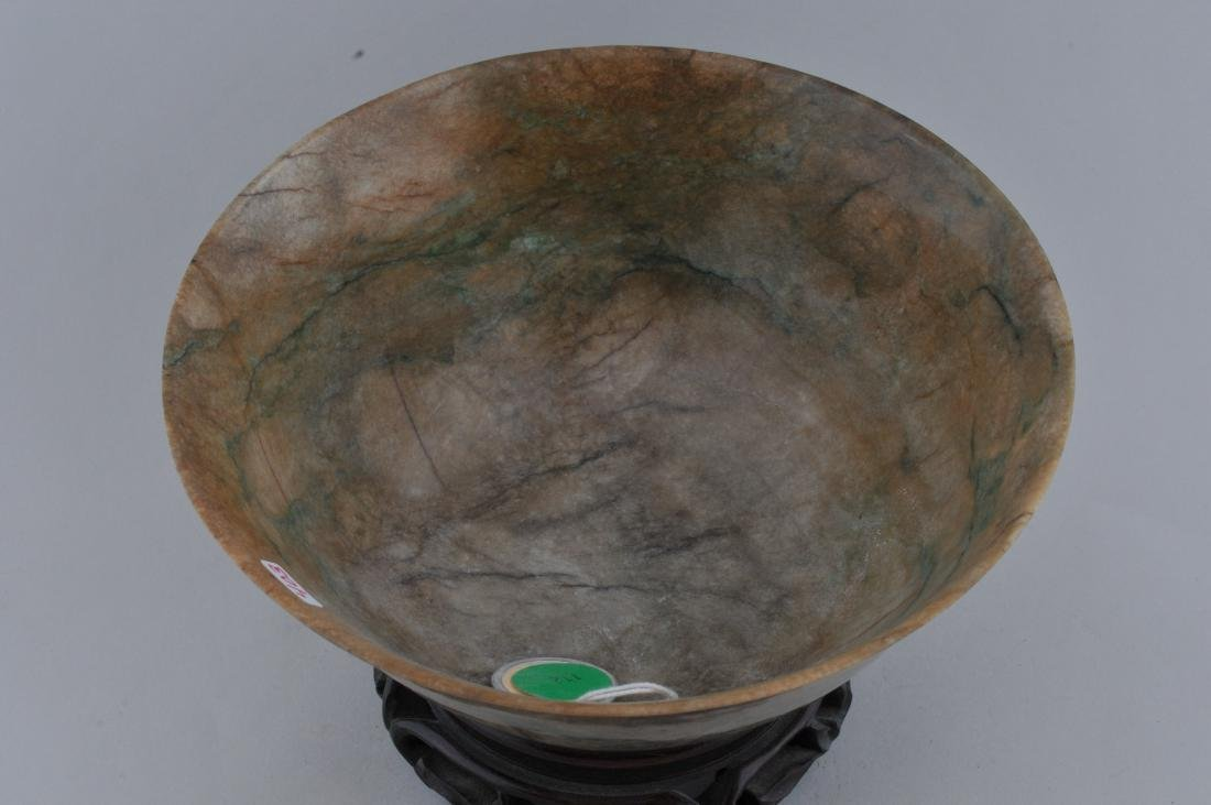 Jade bowl. China. 18th century. Chicken bone colour - 2