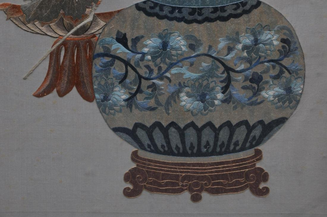 Embroidered panel. China. Early 20th century. - 6