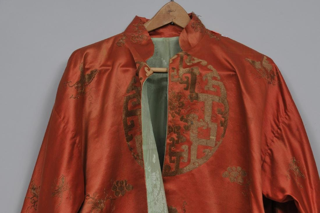 Silk robe. China. 19th century. Gold embroidery of - 2