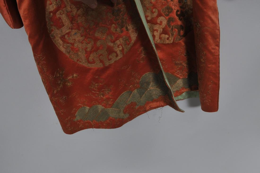 Silk robe. China. 19th century. Gold embroidery of - 4