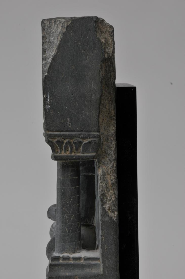 Grey schist carving. Gandharan Kingdom. (3rd c DC-2nd c - 10