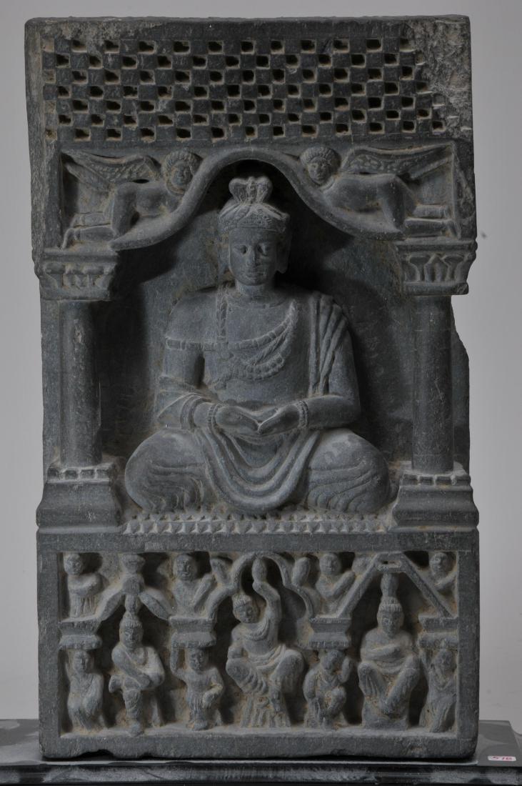 Grey schist carving. Gandharan Kingdom. (3rd c DC-2nd c - 2