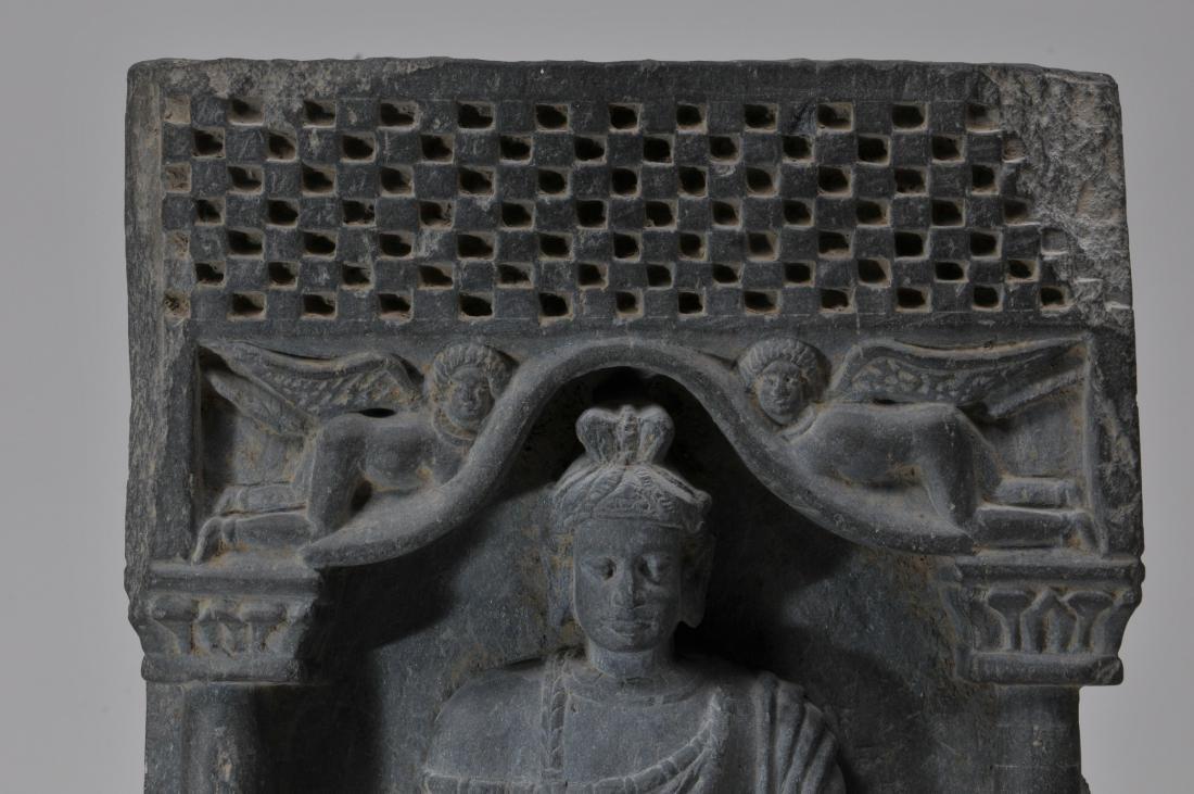 Grey schist carving. Gandharan Kingdom. (3rd c DC-2nd c - 5